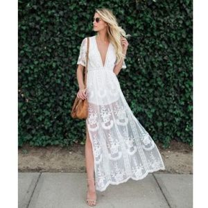 🆕Honey Punch White Lace Overlay Romper Maxi Dress